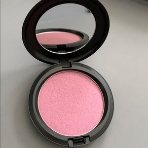 Brand new MAC cosmetics iridescent pressed powder